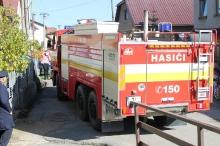 Slávnostne odovzdávanie hasičského vozidla
