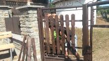 Oprava plota na cintoríne